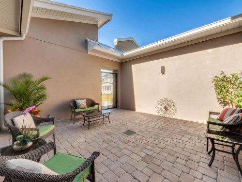 12643-Banting-Terrace--Orlando--FL-32827---47---Patio.jpg