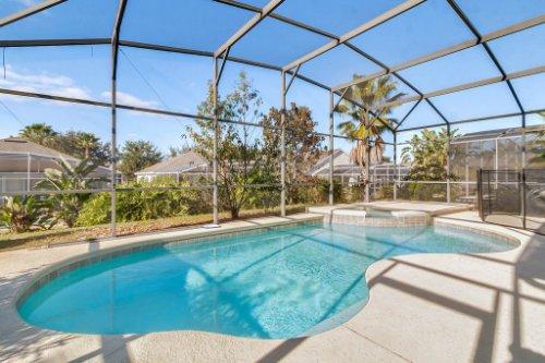 206-Bonville-Dr--Davenport--FL-33897----04---Pool.jpg