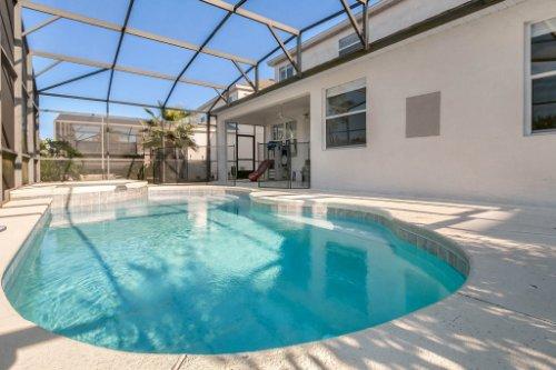 206-Bonville-Dr--Davenport--FL-33897----05---Pool.jpg