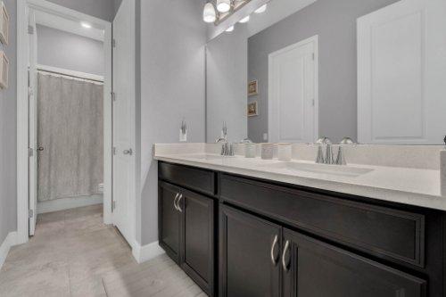 9285-Busaco-Park-Way--Winter-Garden--FL-34787----18---Bathroom.jpg