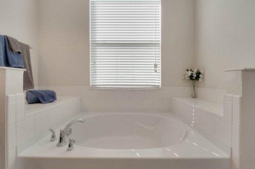 1853-Vista-Meadows-Drive--Ocoee--FL-34761---18---Master-Bathroom.jpg