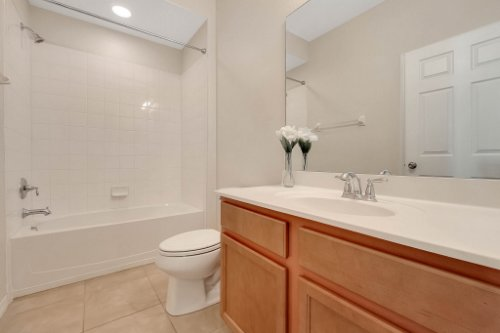 1853-Vista-Meadows-Drive--Ocoee--FL-34761---21---Bathroom.jpg