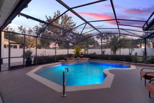 225-Southern-Magnolia-Ln--Sanford--FL-32771----05---Pool-Twilight.jpg