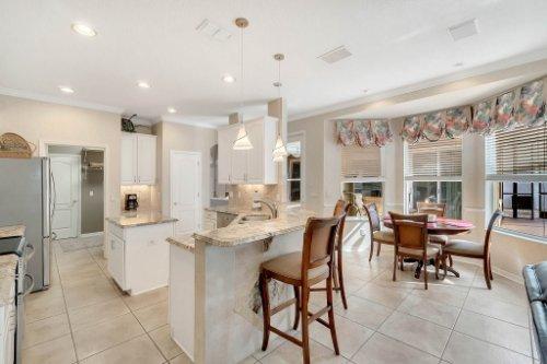 225-Southern-Magnolia-Ln--Sanford--FL-32771----10---Kitchen.jpg