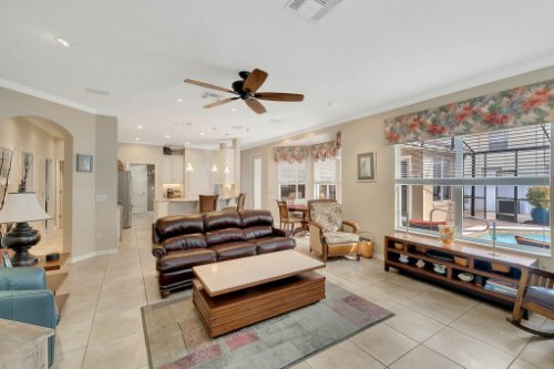 225-Southern-Magnolia-Ln--Sanford--FL-32771----15---Family-Room.jpg