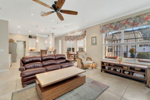 225-Southern-Magnolia-Ln--Sanford--FL-32771----16---Family-Room.jpg