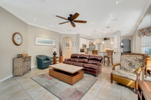 225-Southern-Magnolia-Ln--Sanford--FL-32771----17---Family-Room.jpg
