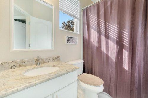 225-Southern-Magnolia-Ln--Sanford--FL-32771----24---Bathroom.jpg