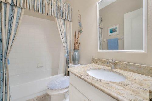 225-Southern-Magnolia-Ln--Sanford--FL-32771----27---Bathroom.jpg