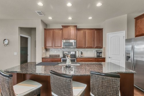 10111-SW-76th-Ln--Ocala--FL-34481----11---Kitchen.jpg