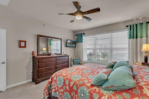 10111-SW-76th-Ln--Ocala--FL-34481----22---Master-Bedroom.jpg