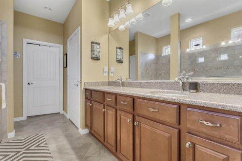 10111-SW-76th-Ln--Ocala--FL-34481----23---Master-Bathroom.jpg