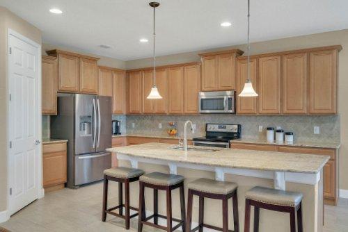 11891-Taranto-Ln--Orlando--FL-32827----10---Kitchen.jpg
