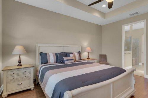 11891-Taranto-Ln--Orlando--FL-32827----21---Master-Bedroom.jpg