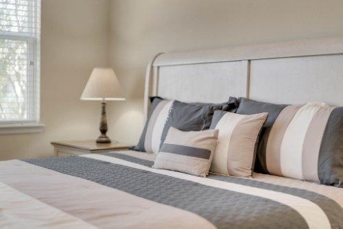 11891-Taranto-Ln--Orlando--FL-32827----22---Master-Bedroom.jpg