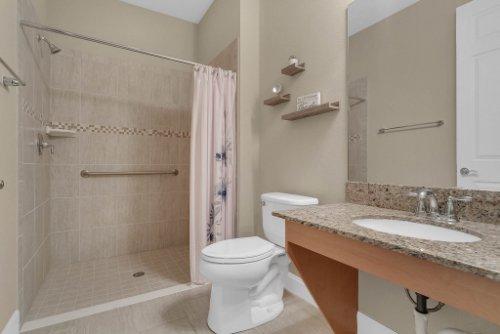 11891-Taranto-Ln--Orlando--FL-32827----27---Bathroom.jpg