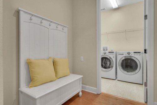 11891-Taranto-Ln--Orlando--FL-32827----33---Laundry.jpg