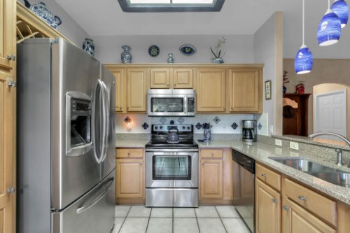 2606-Teeside-Ct--Kissimmee--FL-34746----07---Kitchen.jpg