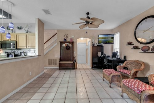 2606-Teeside-Ct--Kissimmee--FL-34746----10---Family-Room.jpg