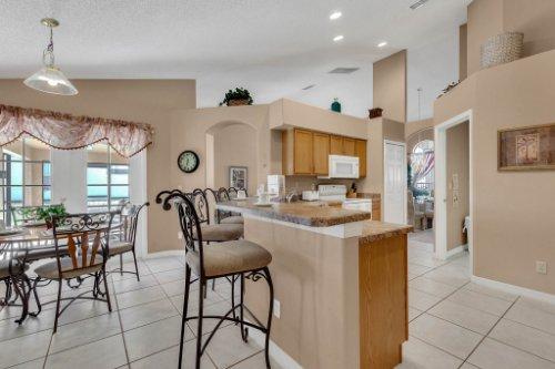 16018-Hawk-Hill-St--Clermont--FL-34714----14---Kitchen.jpg