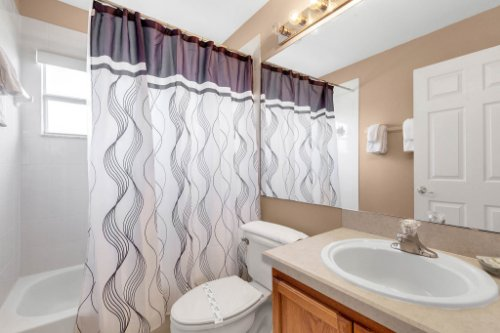 16018-Hawk-Hill-St--Clermont--FL-34714----23---Bathroom.jpg