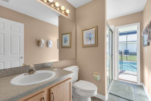 16018-Hawk-Hill-St--Clermont--FL-34714----25---Bathroom.jpg