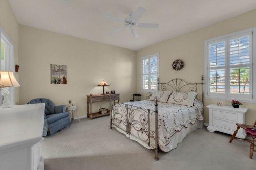 8015-St-James-Way--Mt-Dora--FL-32757----11---Master-Bedroom.jpg