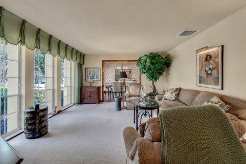 14-Green-Lake-Cir--Longwood--FL-32779----09---Living.jpg