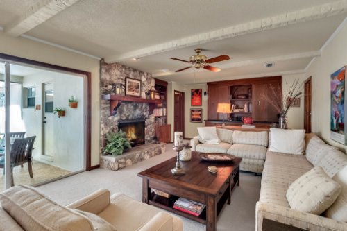 14-Green-Lake-Cir--Longwood--FL-32779----16---Family-Room.jpg