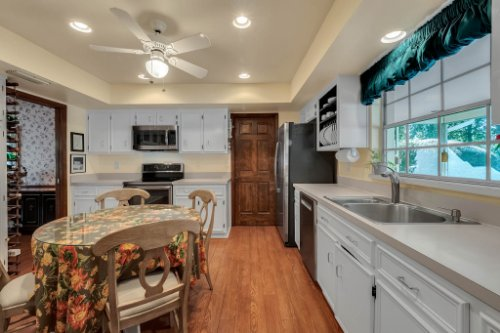 14-Green-Lake-Cir--Longwood--FL-32779----20---Kitchen.jpg