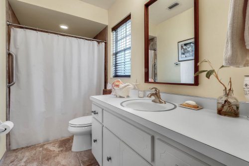 14-Green-Lake-Cir--Longwood--FL-32779----25---Master-Bathroom.jpg
