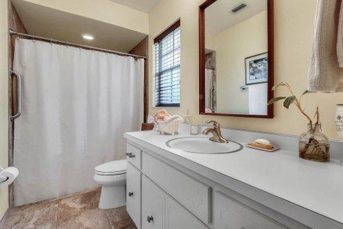 14-Green-Lake-Cir--Longwood--FL-32779----25---Master-Bathroom.jpg