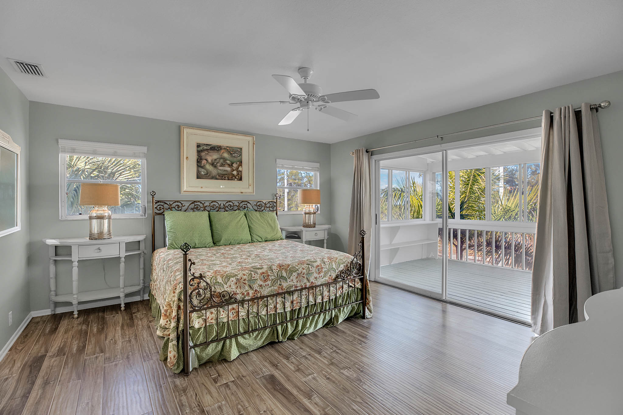 403-N-Bay-Blvd.-Anna-Maria--FL-34216--29--Master-Bedroom-1---1.jpg