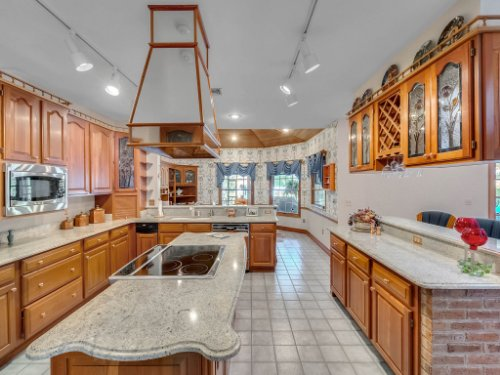2100-Silver-Leaf-Ct--Longwood--FL-32779----19---Kitchen.jpg