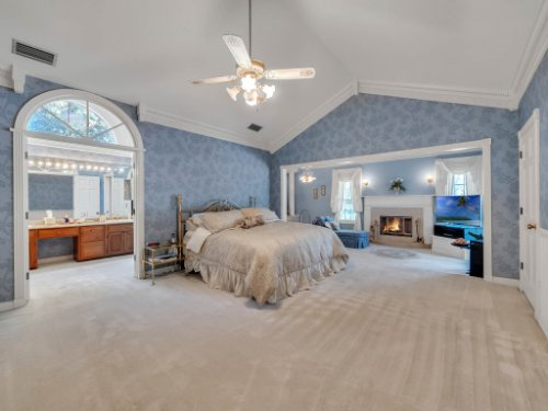 2100-Silver-Leaf-Ct--Longwood--FL-32779----28---Master-Bedroom.jpg