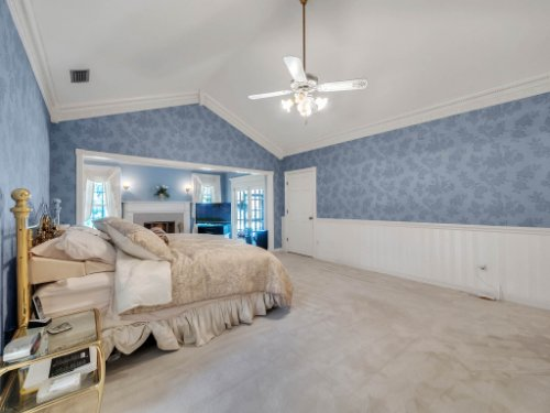 2100-Silver-Leaf-Ct--Longwood--FL-32779----30---Master-Bedroom.jpg
