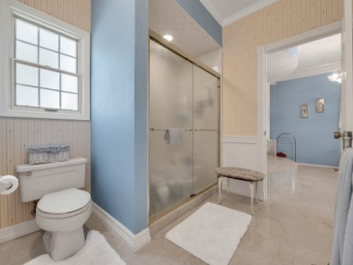 2100-Silver-Leaf-Ct--Longwood--FL-32779----33---Master-Bathroom-copy.jpg