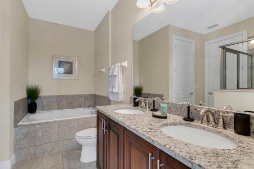 7645-Wilmington-Loop--Kissimmee--FL-34747----38---Bathroom.jpg