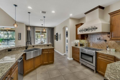 4517-Stone-Hedge-Dr--Orlando--FL-32817---13---Kitchen.jpg