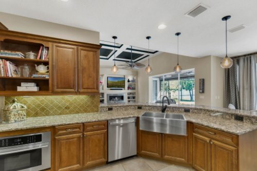 4517-Stone-Hedge-Dr--Orlando--FL-32817---14---Kitchen.jpg