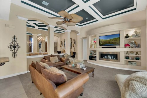 4517-Stone-Hedge-Dr--Orlando--FL-32817---15---Family-Room.jpg