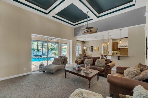 4517-Stone-Hedge-Dr--Orlando--FL-32817---17---Family-Room.jpg