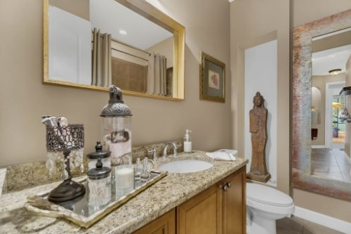4517-Stone-Hedge-Dr--Orlando--FL-32817---25---Bathroom.jpg
