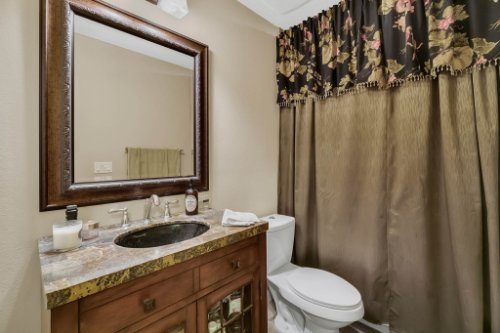 4517-Stone-Hedge-Dr--Orlando--FL-32817---27---Bathroom.jpg