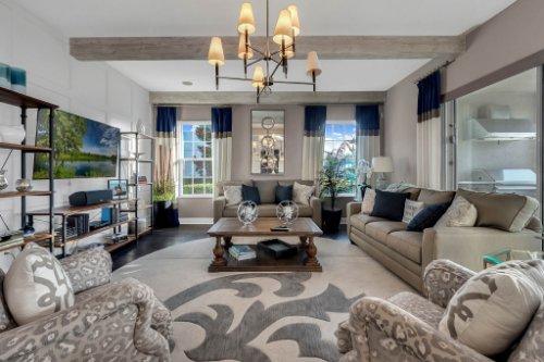 16186-Johns-Lake-Overlook-Dr--Winter-Garden--FL-34787----12---Family-Room.jpg