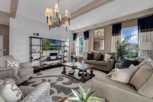 16186-Johns-Lake-Overlook-Dr--Winter-Garden--FL-34787----13---Family-Room.jpg