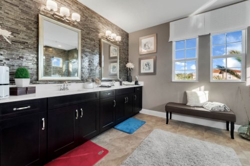 16186-Johns-Lake-Overlook-Dr--Winter-Garden--FL-34787----24---Master-Bathroom.jpg