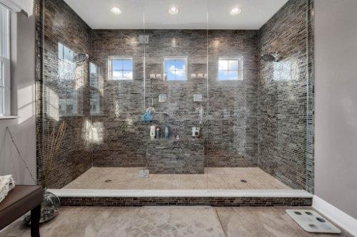 16186-Johns-Lake-Overlook-Dr--Winter-Garden--FL-34787----25---Master-Bathroom.jpg