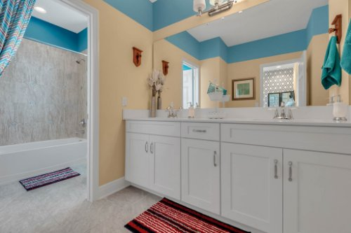 16186-Johns-Lake-Overlook-Dr--Winter-Garden--FL-34787----31---Bathroom.jpg