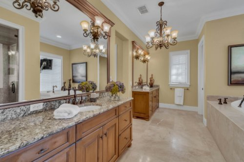 11330-Bridge-House-Rd--Windermere--FL-34786----30---Master-Bathroom.jpg